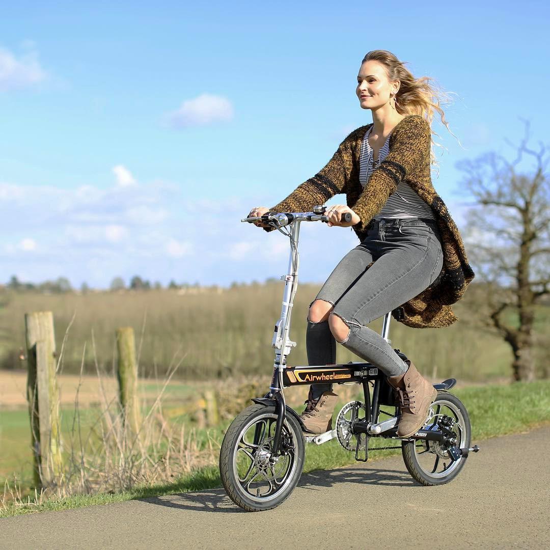R5 Умный электрический велосипед помогает