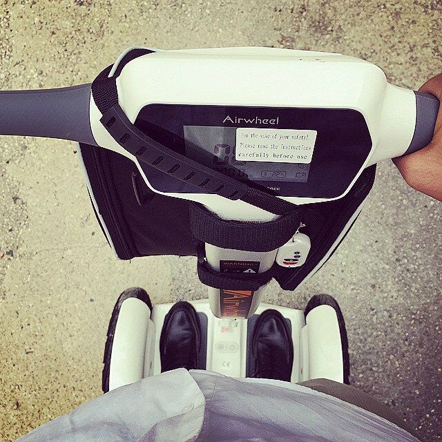 Умный самостоятельно баланс скутера